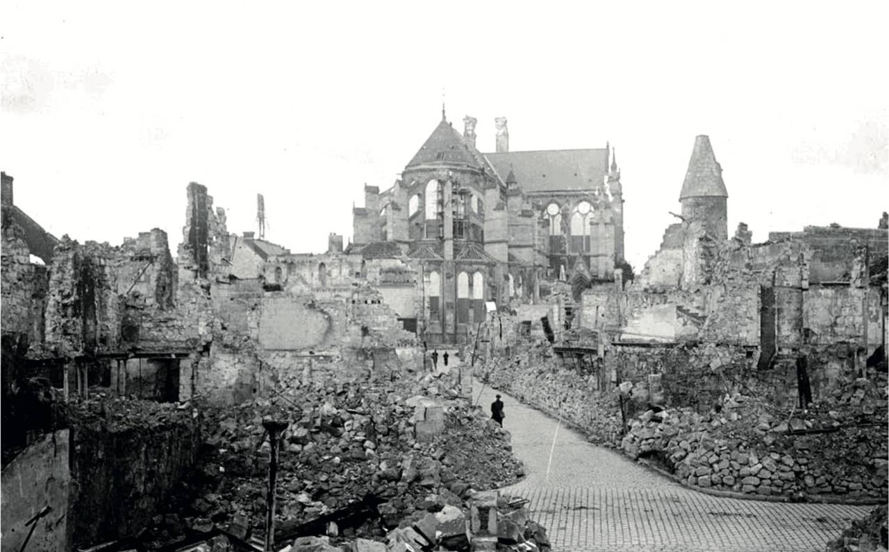 Le Bouche À Oreille Soissons place marquigny : quand l'histoire se répète 40 ans après